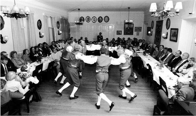 Pellinge folkdansare