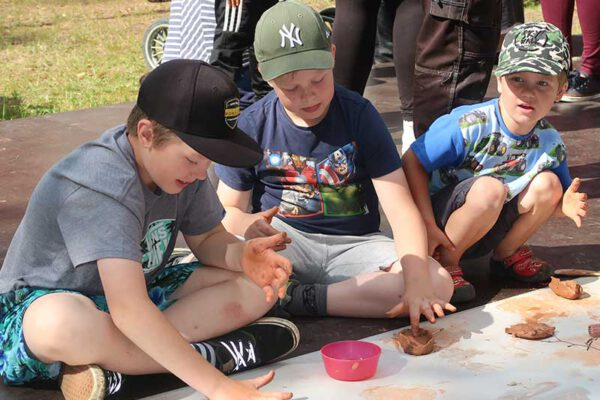 Barnfest på Hörbergsgården